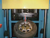 13 Truck and Bus TB Wheel Impact Test Machine 30 Degrees ITM5 12