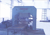 Large Scale Hydraulic Vulcanizing Press 1000MT